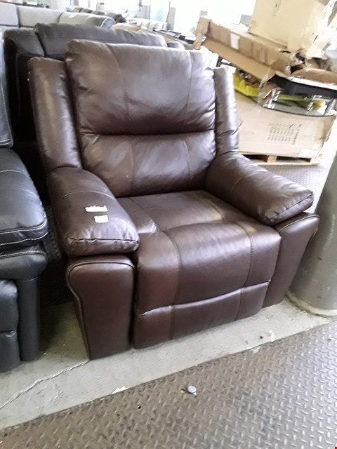 Lot 67 DESIGNER DERBY BROWN LEATHER MANUAL RECLINING EASY CHAIR RRP £800