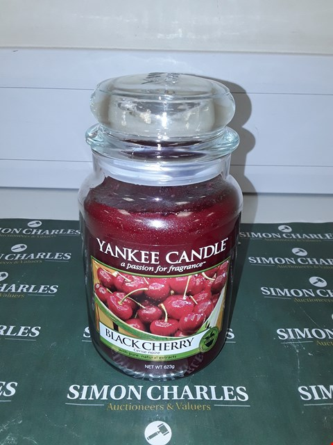 Lot 9128 YANKEE CANDLE - BLACK CHERRY  RRP £20.00