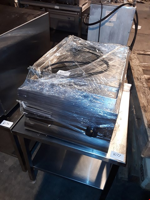 Lot 37 LINCAT GS4 GRIDDLE WITH STAND