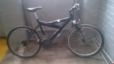 Lot 525 UNBRANDED MENS MOUNTAIN BIKE WITH TXS SERIES 500 FRONT SUSPENSION