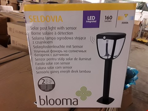 Lot 368 BLOOMA SELDOVIA SOLAR POST LIGHT WITH SENSOR - BLACK RRP £50
