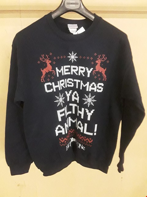 "Lot 5064 BRAND NEW HOME ALONE ""MERRY CHRISTMAS YA FILTHY ANIMAL"" NAVY MEDIUM CHRISTMAS JUMPER"