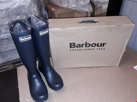 Lot 32 BOXED BARBOUR JARROW SIZE 7UK/41EUR NAVY BLUE WELLIES