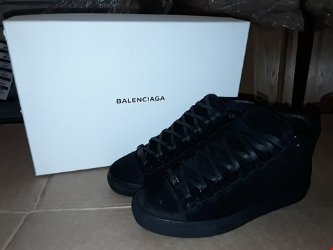 Lot 44 BOXED BALENCIAGA BLACK SIZE 6UK/40EUR