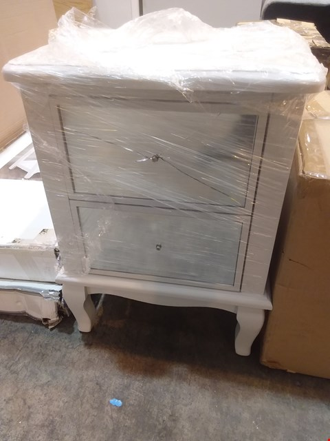 Lot 600 DESIGNER 2 DRAWER BEDSIDE WITH MIRRORED FRONT