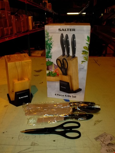 Lot 6077 SALTER 4 PIECE KNIFE SET WITH WOODEN BLOCK