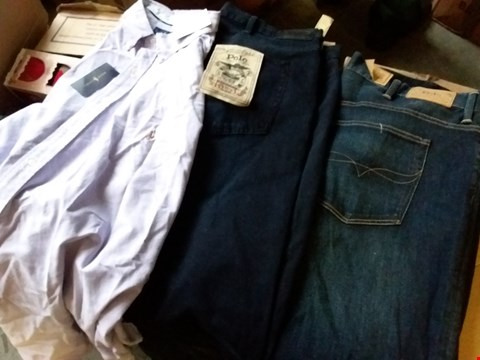 Lot 339 BOX OF APPROXIMATELY 16 ASSORTED MENS CLOTHING ITEMS TO INCLUDE RALPH LAUREN SHIRTS AND JEANS - VARIOUS SIZES
