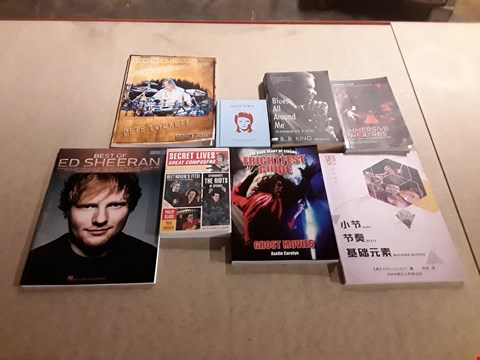 Lot 480 LOT OF APPROXIMATELY 8 ASSORTED BOOKS TO INCLUDE THE LITTLE BOOK OF DAVID BOWIE, BLUES ALL AROUND ME AUTOBIOGRAPHY OF B.B. KING, IMMERSIVE THEATRES BY JOSEPHINE MACHON ETC