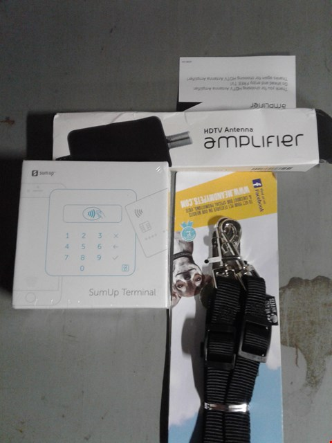 Lot 8086 BOX OF ASSORTED ITEMS - TO INCLUDE - SUMUP TERMINAL - SMALL DOG LEAD - HDTV ANTENNA AMPLIFIER