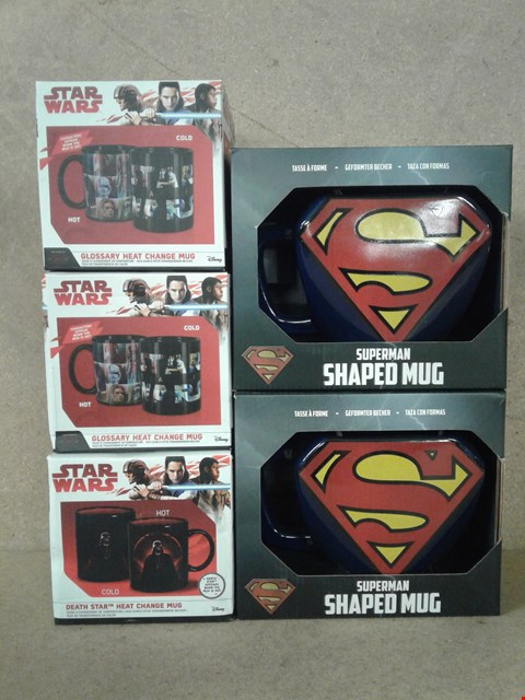 Lot 476 6 BAND NEW ITEMS TO INCLUDE SUPERMAN SHAPED MUGS AND 3 STAR WARS MUGS