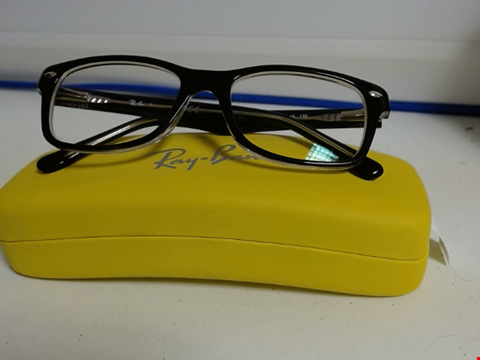 Lot 7771 RAY BAN GLASSES WITH CASE