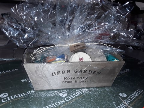Lot 1383 HERB GARDEN SET