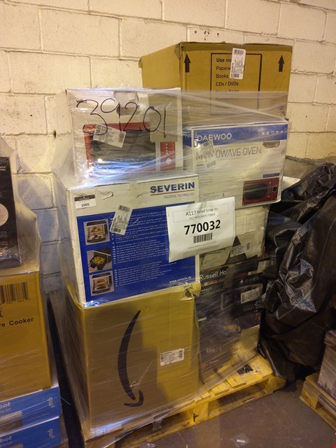 Lot 1005 PALLET OF APPROXIMATELY 16 ASSORTED ITEMS TO INCLUDE: