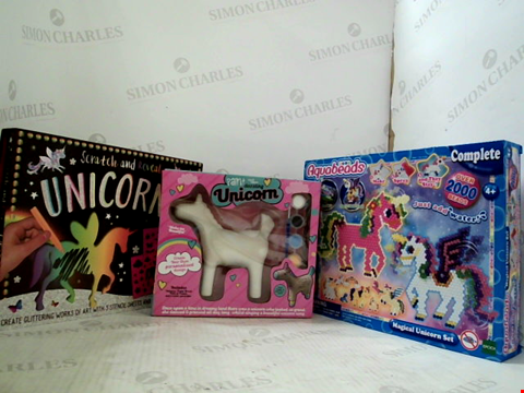 Lot 3016 3 ASSORTED UNICORN CRAFT PRODUCTS TO INCLUDE; AQUABEADS MAGICAL UNICORN SET,SCRATCH AND REVEAL UNICORNS AND PAINT YOU OWN DAZZLING UNICORN