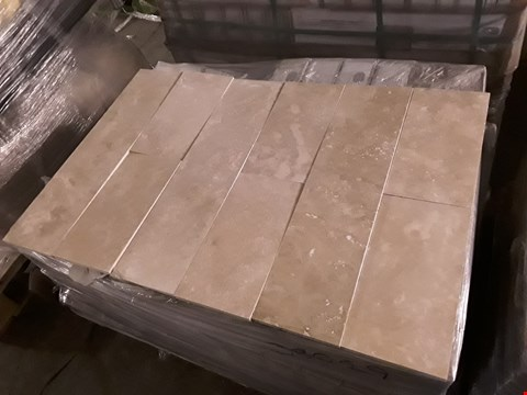 Lot 3001 PALLET OF 39 BOXES OF BRAND NEW KREMNA IVORY TRAVERTINE MIX TILES (9 MIXED TILES - 0.54m2 PER PACK) RRP £625.00