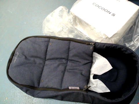 Lot 284 CYBEX COCOON S NAVY BLUE SOFT CARRY COT