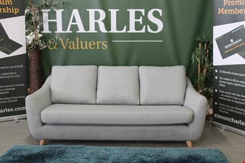 Lot 10012 QUALITY BRITISH MADE, HARDWOOD FRAMED DUCK EGG BLUE FABRIC RETRO STYLE 3 SEATER SOFA