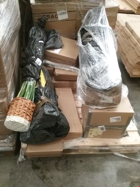 Lot 1029 PALLET OF APPROXIMATELY 10 ASSORTED PRODUCTS TO INCLUDE;