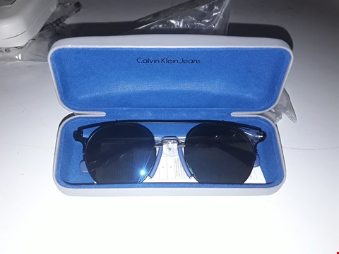 Lot 3045 BRAND NEW CALVIN KLEIN BLUE BROW BAR SUNGLASSES  RRP £185.00