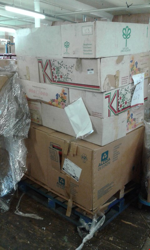 Lot 10001 PALLET OF ASSORTED ITEMS TO INCLUDE 9 BOXES OF FLOWERS AND 2 BOXES OF ALLOTMENT MONTH BY MONTH
