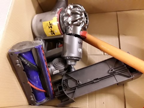 Lot 3038 DYSON V8 ABSOLUTE