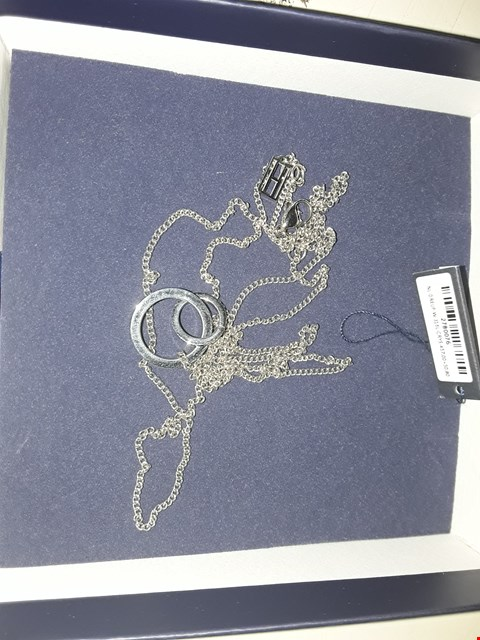 Lot 3070 TOMMY HILFIGER LINKED JEWEL SILVER NECKLACE  RRP £629.00