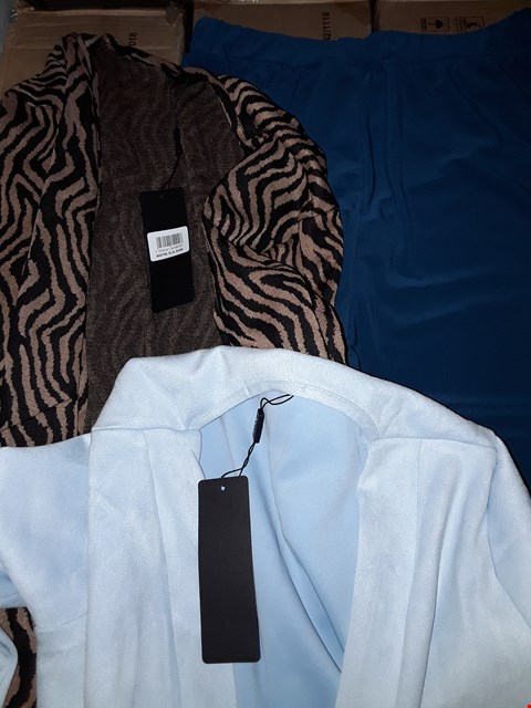 Lot 7810 BOX OF APPROXIMATELY 24 ASSORTED CLOTHING ITEMS TO INCLUDE FAUX SUEDE DUSTER COAT, LONGLINE INTEREST JACKET, NICOLE PALAZZO TROUSERS