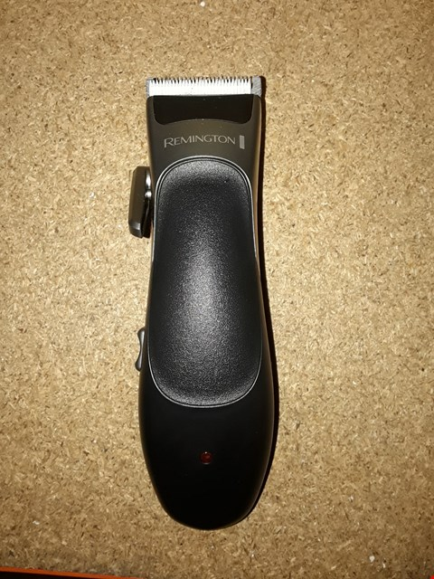 Lot 2092 LOT OF APPROXIMATELY 5 ASSORTED REMINGTON HAIR CLIPPERS