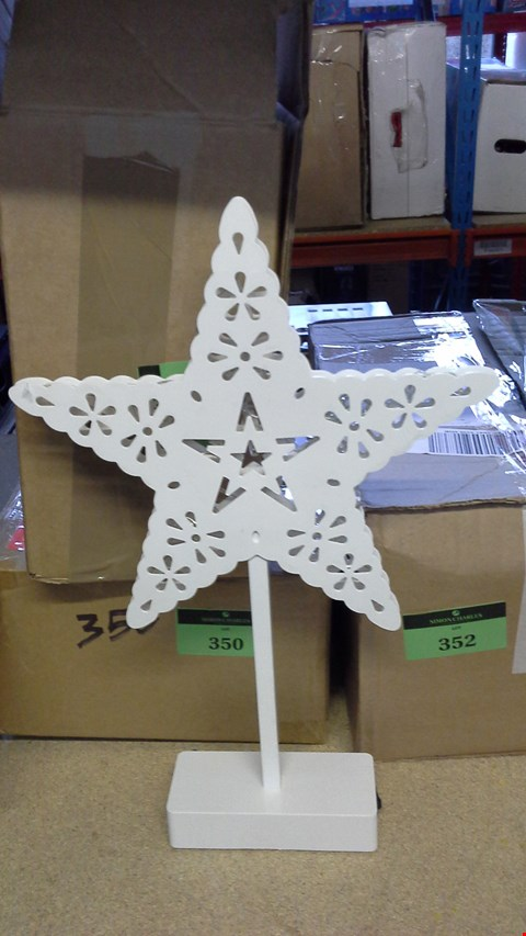 Lot 366 STAR DECORATION WITH LED LIGHTS  RRP £25.00