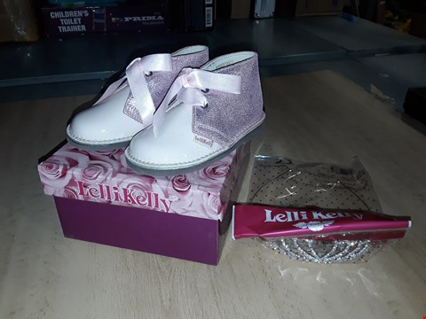 Lot 12549 BOXED LELLI KELLY ROSA GLITTERY PINK LEATHER LACE UP SHOES UK SIZE 6 JUNIOR