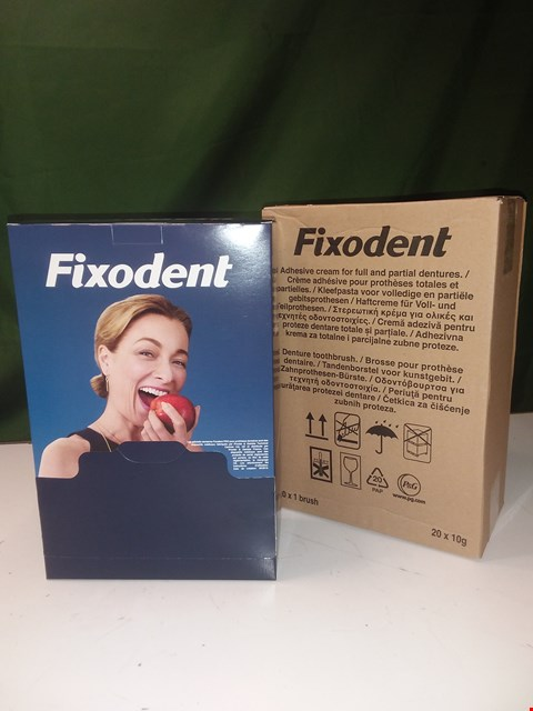 Lot 1467 2 X POS DISPLAYS FOR FIXODENT EACH CONTAINING 20 X BRUSHES + 20 X ADHESIVE