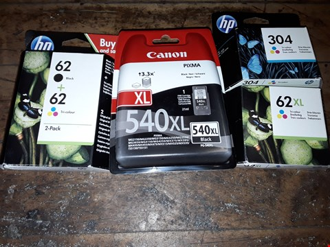 Lot 8123 BOX OF ASSORTED PRINTER CARTRIDGES TO INCLUDE HP BOACK + TRI-COLOUR 2-PACK, CANON PIXMA 540XL BLACK, HP 304 TRI-COLOUR INK CARTRIDGE