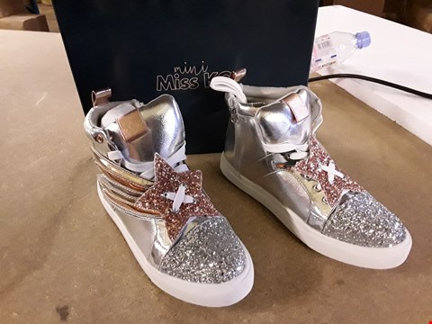 Lot 2025 BOXED PAIR MINI MISS KG STYLE SILVER STAR GLITTER SYNTHETIC SNEAKERS SIZE 37