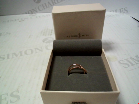 Lot 5747 BOXED ROSE GOLD TONE INTERTWINED RINGS