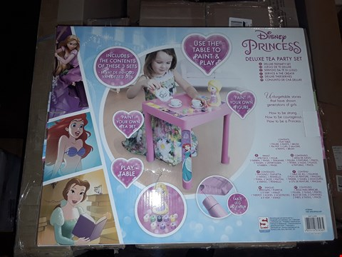 Lot 6215 LOT OF 2 BOXED GRADE 1 ITEMS TO INCLUDE UNICORN 3 IN 1 HIGHCHAIR, DISNEY PRINCESS DELUXE TEA PARTY SET RRP £57