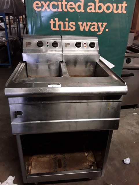 Lot 9066 COMMERCIAL STAINLESS STEEL PARRY DOUBLE FRYER
