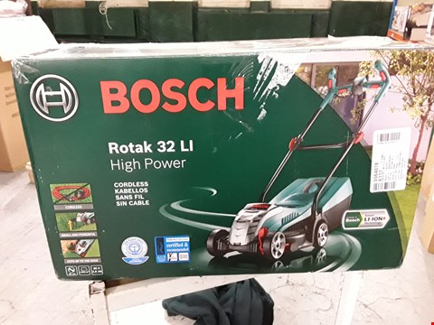 Lot 3043 BOSCH ROTAK 32LI HIGH POWER CORDLESS LAWNMOWER
