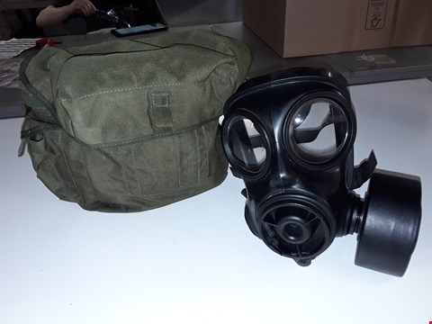 Lot 3113 GAS MASK WITH BAG