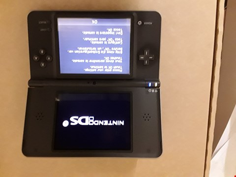 Lot 2081 NINTENDO DS XL