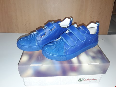 Lot 12644 BOXED NATURINO YOUNG BLUE LEATHER VELCRO STRAP TRAINERS UK SIZE 1