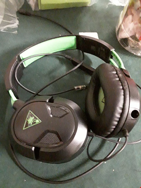 Lot 18011 TURTLE BEACH EAR FORCE ONE HEADPHONES RRP £40.00
