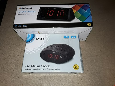 Lot 3519 LOT OF 5 ASSORTED ALARM CLOCKS TO INCLUDE POLAROID CLOCK RADIO AND ORB FM ALARM CLOCK