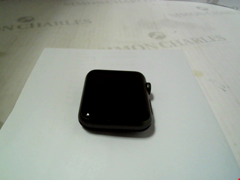 Lot 321 APPLE WATCH