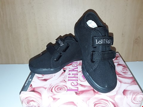 Lot 12718 BOXED LELLI KELLY LILY BLACK VELCRO TRAINERS BOW DETAIL PUMPS UK SIZE 8 JUNIOR