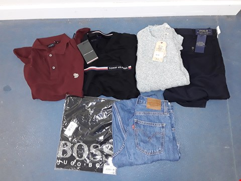 Lot 8086 CAGE OF A SIGNIFICANT QUANTITY OF ASSORTED UNPROCESSED DESIGNER CLOTHING ITEMS TO INCLUDE RALPH LAUREN, TOMMY HILFIGER, FAT FACE, HUGO BOSS, LEVIS ETC
