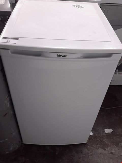 Lot 198 SWAN SR8080W WHITE 50CM  UNDER-COUNTER FRIDGE RRP £309