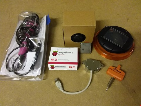 Lot 764 LOT OF 5 ASSORTED TECH ITEMS TO INCLUDE AMD 4X2 PROCESSOR, RASPBERRY PI 3 MODEL B+ AND PINK WIRED MICROPHONE