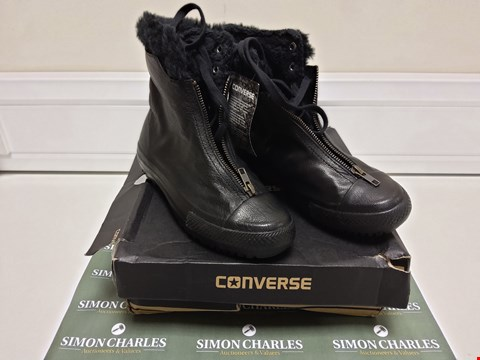 Lot 3028 BOXED PAIR OF BLACK CONVERSE BOOTS SIZE 3.5