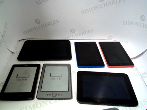Lot 723 LOT OF APPROXIMATELY 32 ASSORTED TABLET AND E-READERS TO NCLUDE KINDLE, FIRE ETC