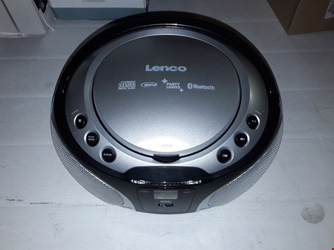 Lot 12157 LENCO SCD-550 PARTY BOOMBOX